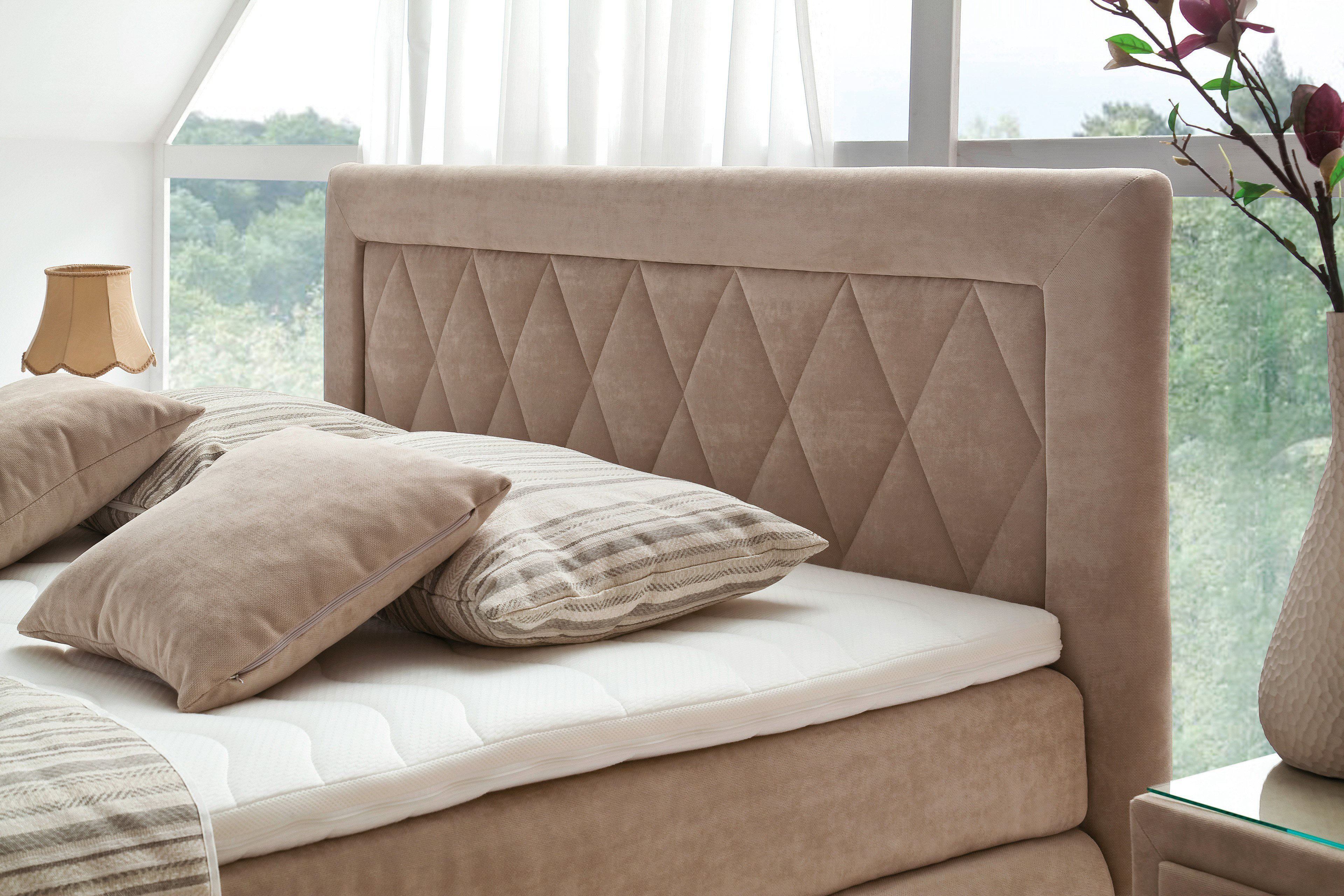 boxspringbett holzoptik neuesten design. Black Bedroom Furniture Sets. Home Design Ideas
