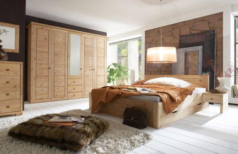 Vita von Wohnglücklich - Schlafzimmer weiß Kiefernholz