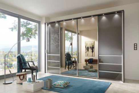 Malibu von Wiemann - Schwebetürenschrank weiß - Glas graphit