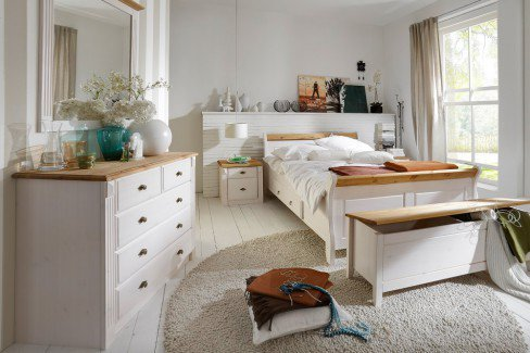 Eva von Jumek - Bett-Truhe Kiefer weiß-laugenfarbig