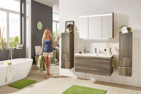 Ace von puris - Badezimmer in Polarweiß Hochglanz