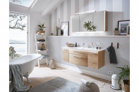 Linea von puris - Badezimmer in Weiß