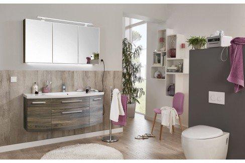 Vuelta von puris - Badezimmer in Weiß Hochglanz