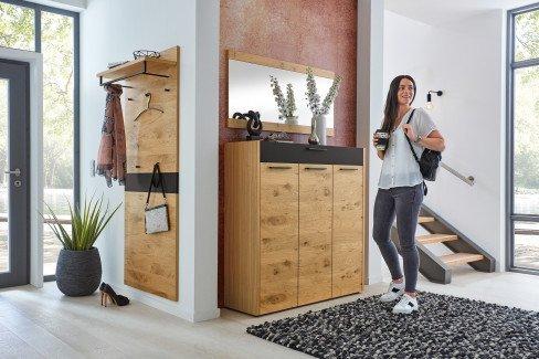 Levio von Voss - Garderobe in Balkeneiche/ Lack schwarz matt