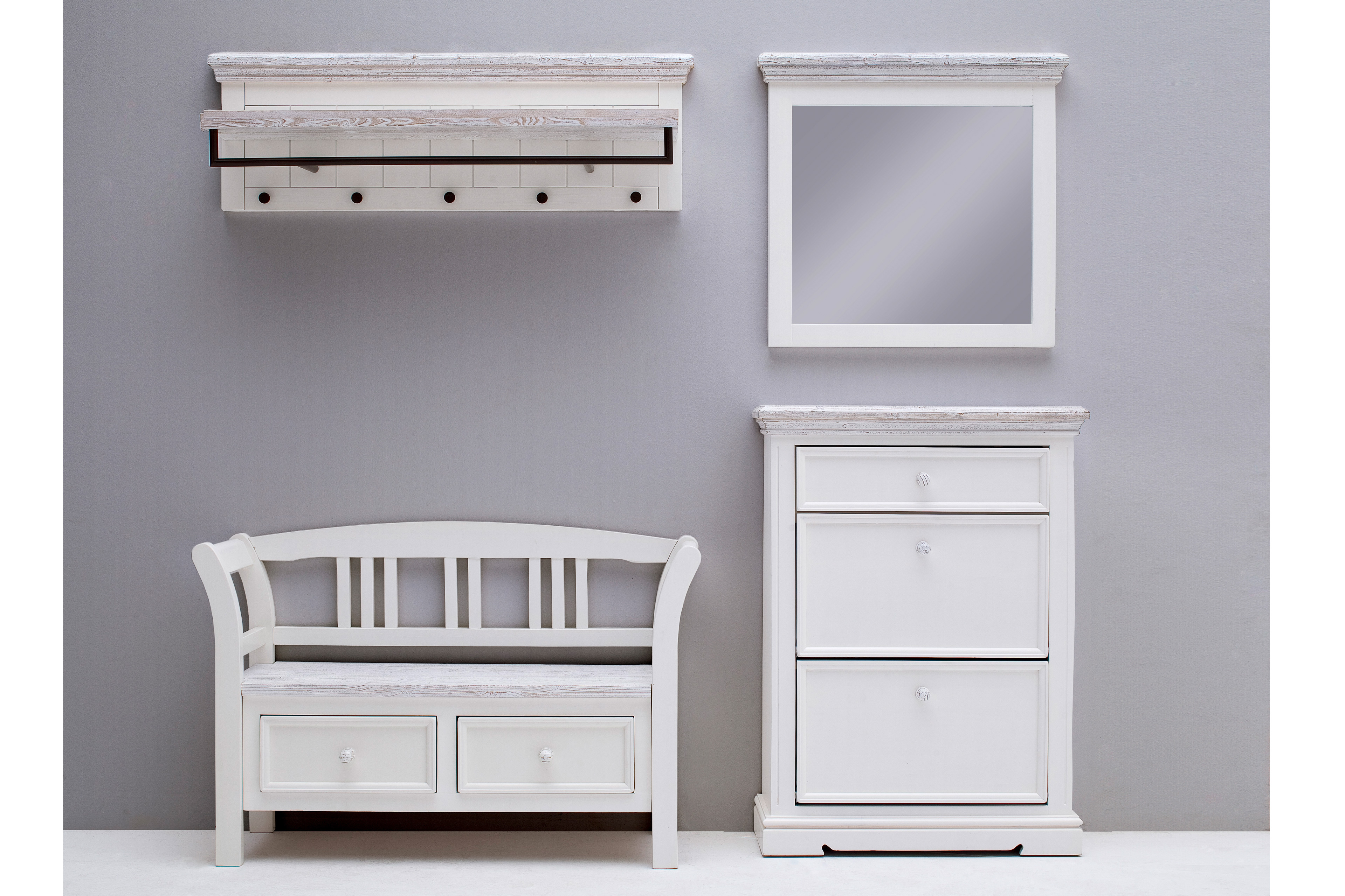 Garderobe opus osita kiefer wei massiv mca furniture for Garderobe kiefer