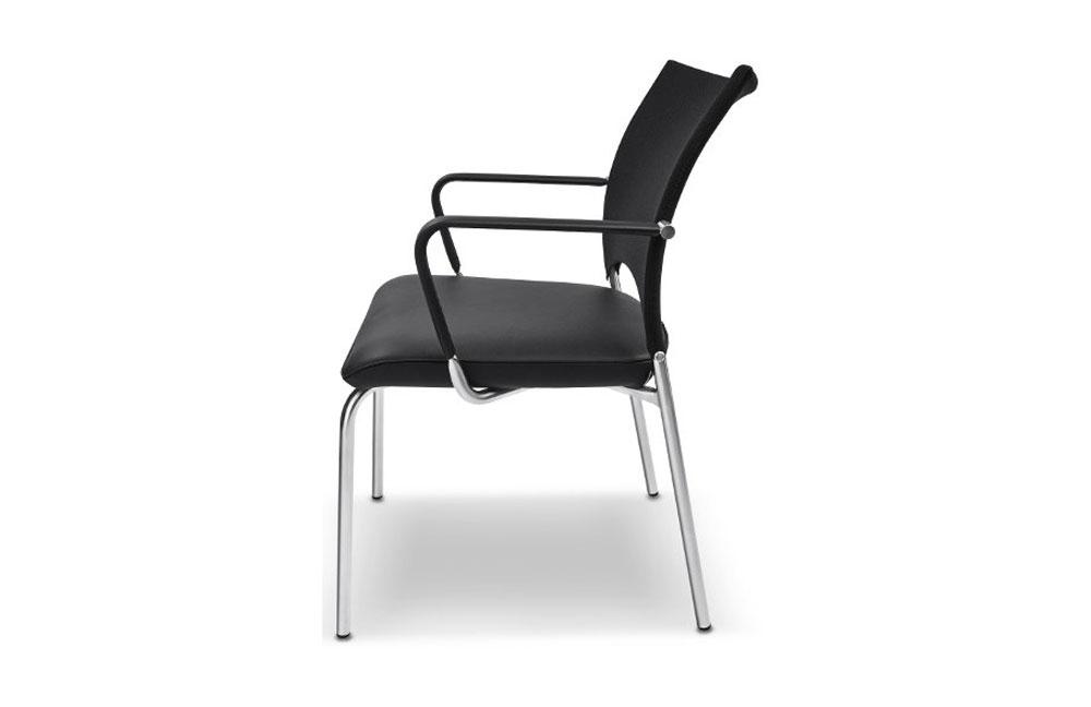 stuhl sento rst 160 schwarz mit armlehnen von ronald schmitt m bel letz ihr online shop. Black Bedroom Furniture Sets. Home Design Ideas