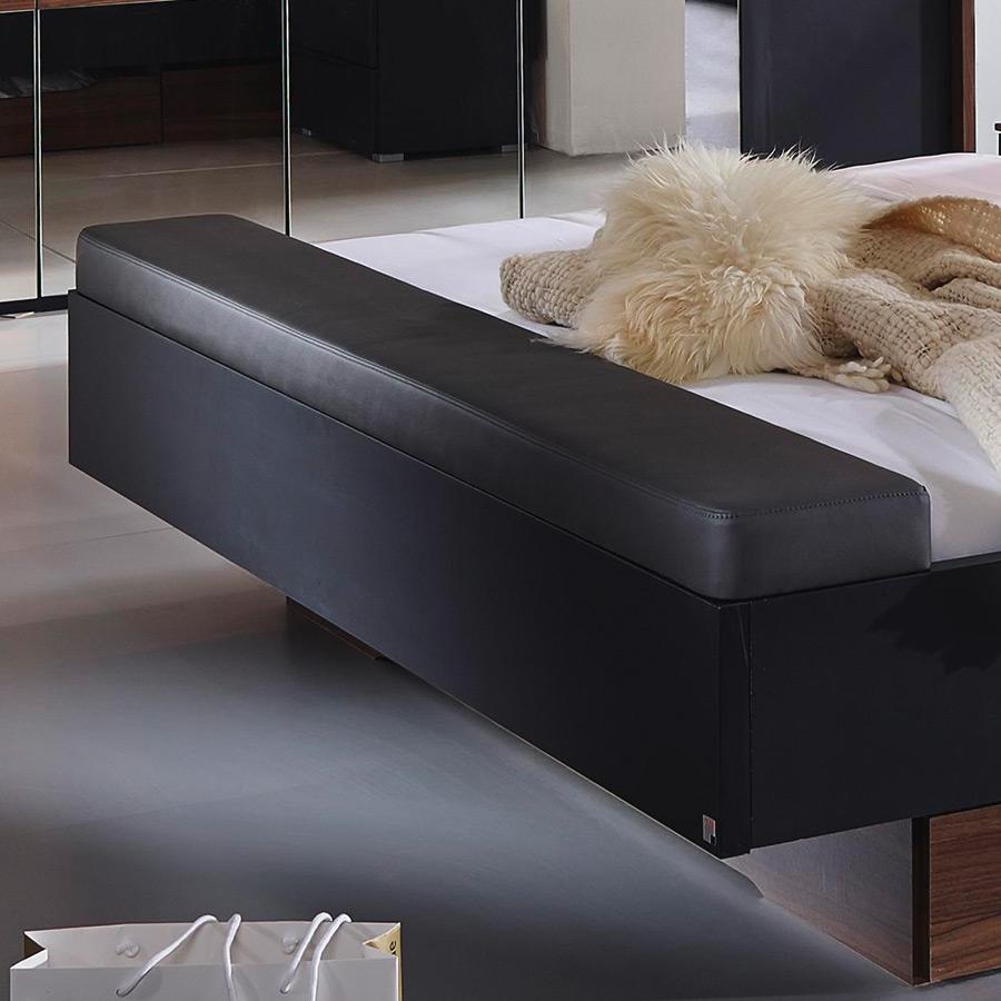schlafzimmer mit dachschr ge einrichten. Black Bedroom Furniture Sets. Home Design Ideas