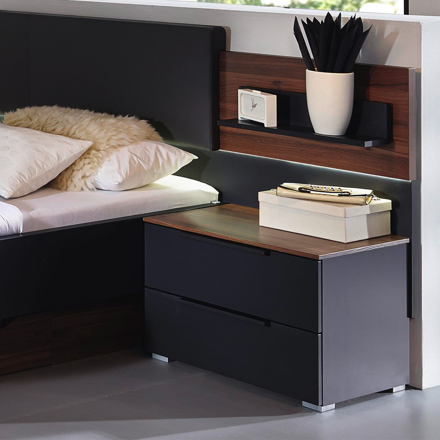 schlafzimmer mit dachschr ge einrichten. Black Bedroom Furniture Sets. Home Design Ideas