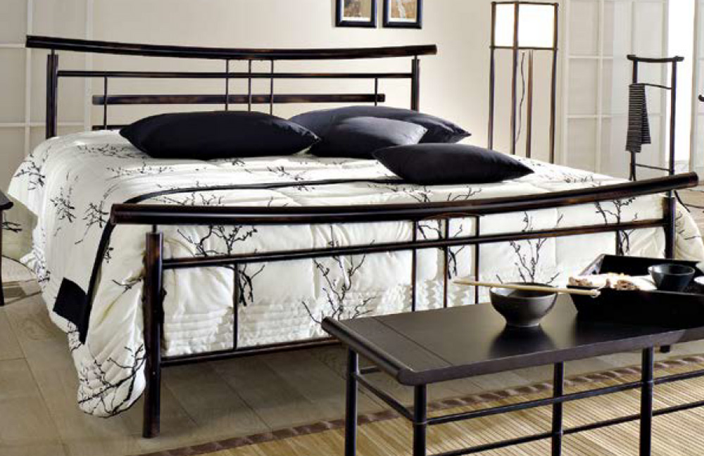 bett metall schwarz 25 best ideas about metallbett wei. Black Bedroom Furniture Sets. Home Design Ideas