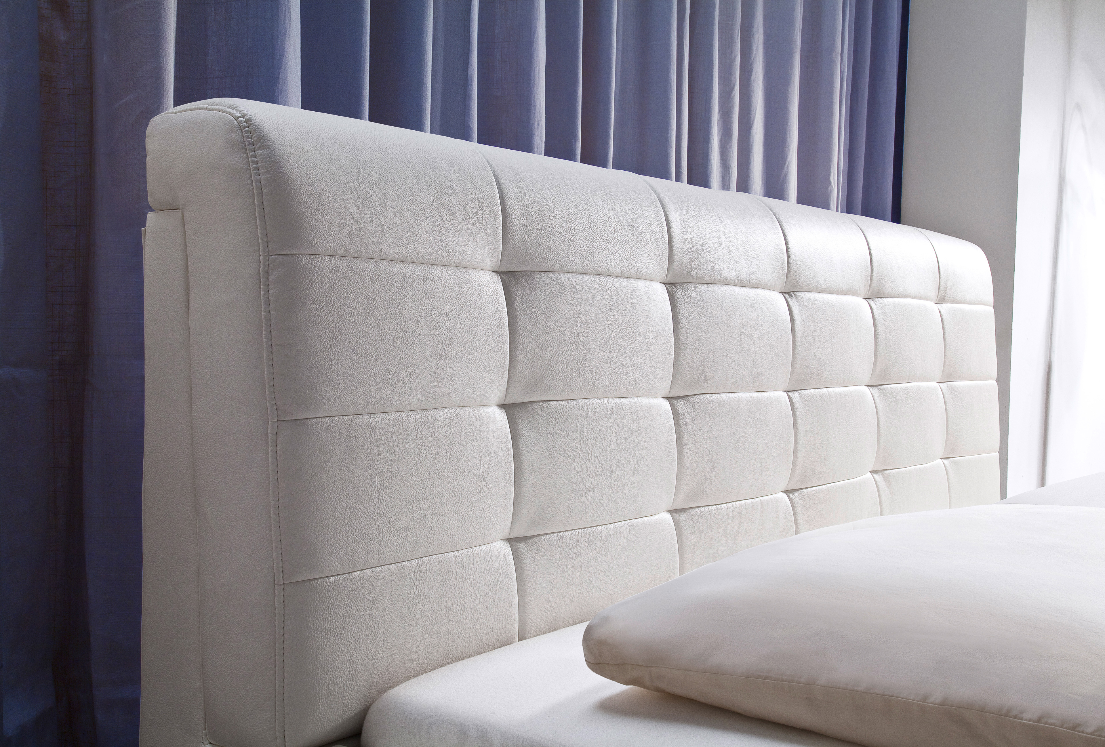 Wohnzimmer grau gestrichen for Jordan wohnzimmertisch