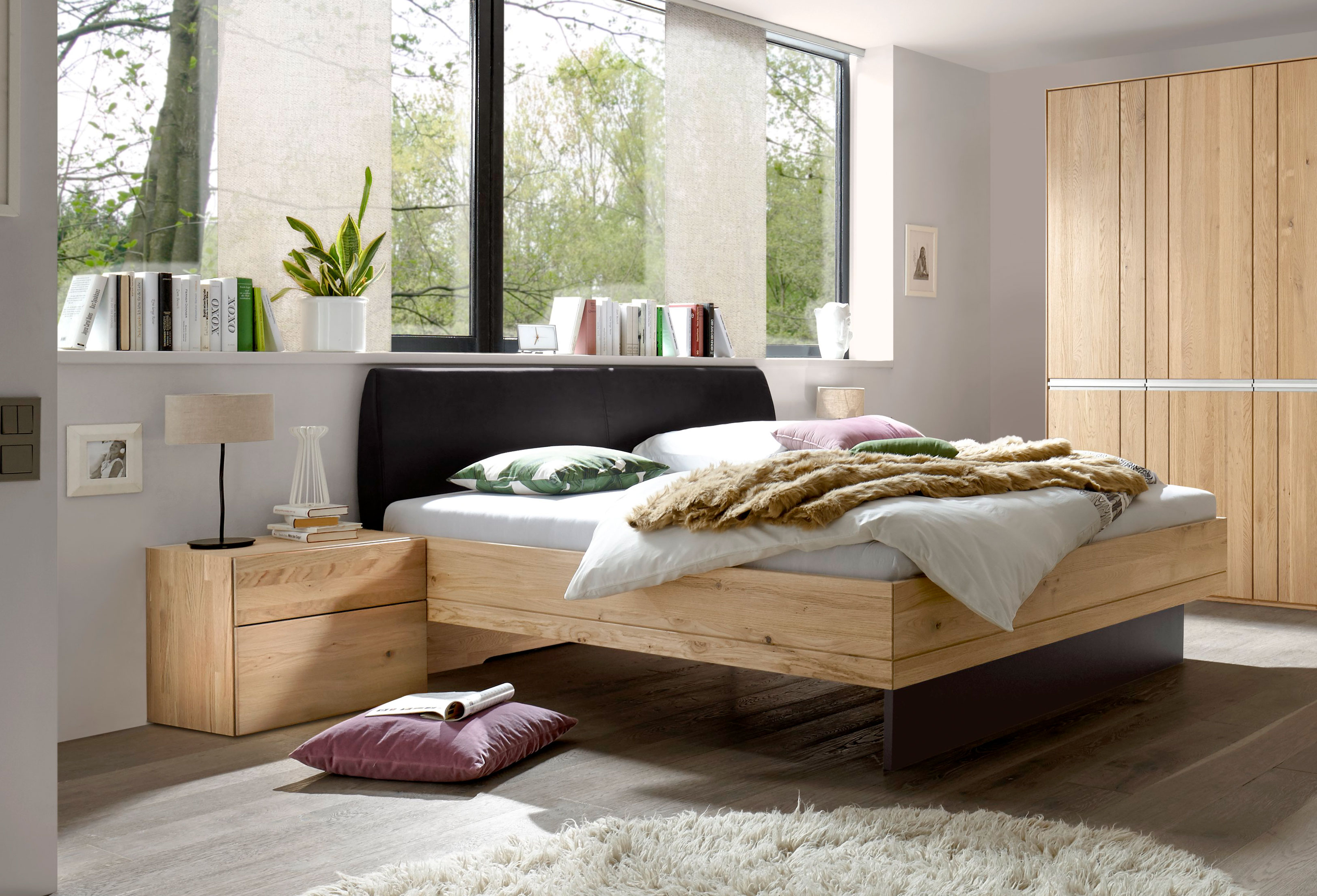 schlafzimmer eiche massiv. Black Bedroom Furniture Sets. Home Design Ideas