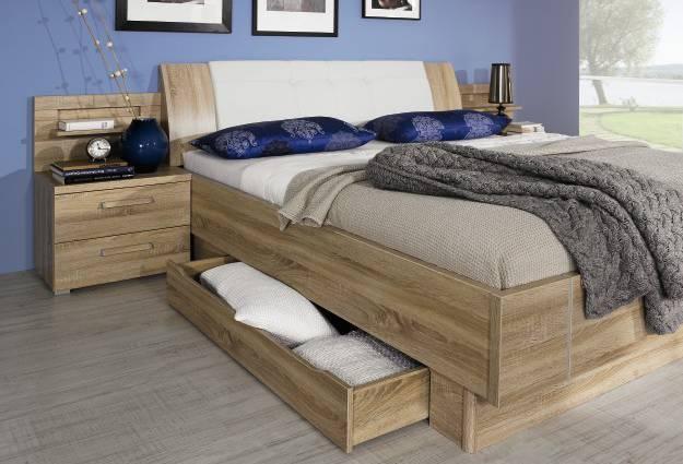 schlafzimmer wandfarbe gelb. Black Bedroom Furniture Sets. Home Design Ideas