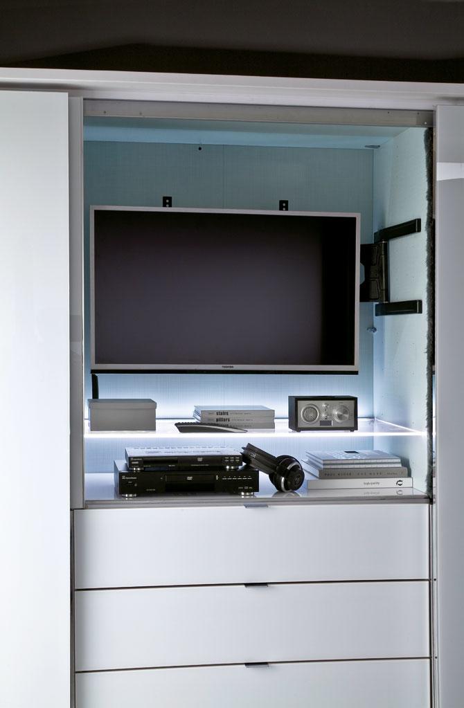 beautiful schlafzimmerschrank mit tv fach photos. Black Bedroom Furniture Sets. Home Design Ideas