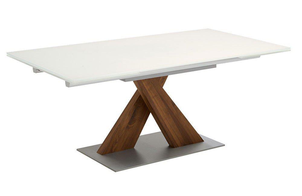 nussbaum satin touchwood esstisch. Black Bedroom Furniture Sets. Home Design Ideas