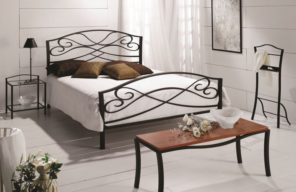 metallbett 160x200 schwarz finest metallbett x hellbraun wei bettgestell doppelbett with. Black Bedroom Furniture Sets. Home Design Ideas