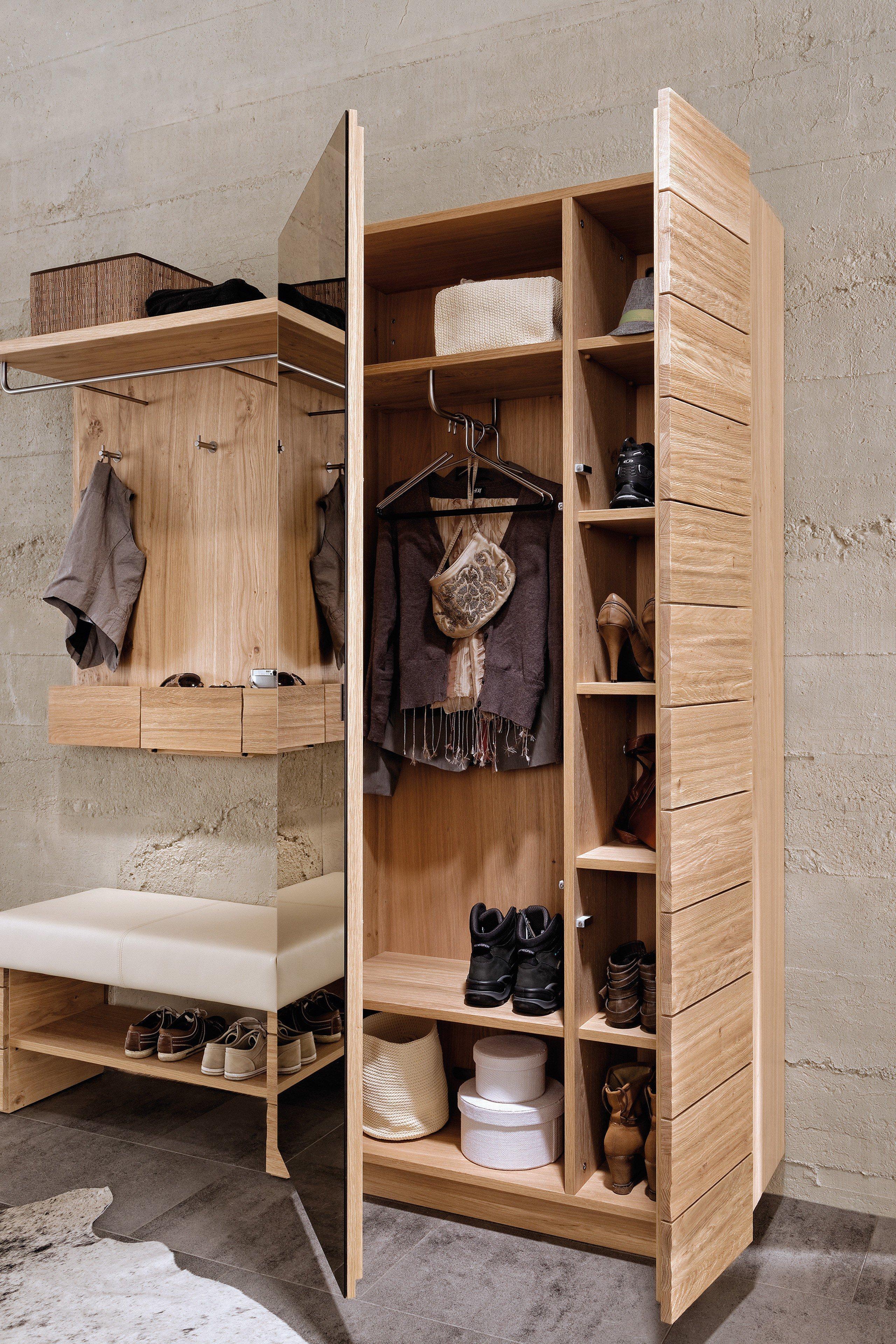 garderobe in wildeiche und sitzbank mit lederbezug v montana von voglauer m bel letz ihr. Black Bedroom Furniture Sets. Home Design Ideas