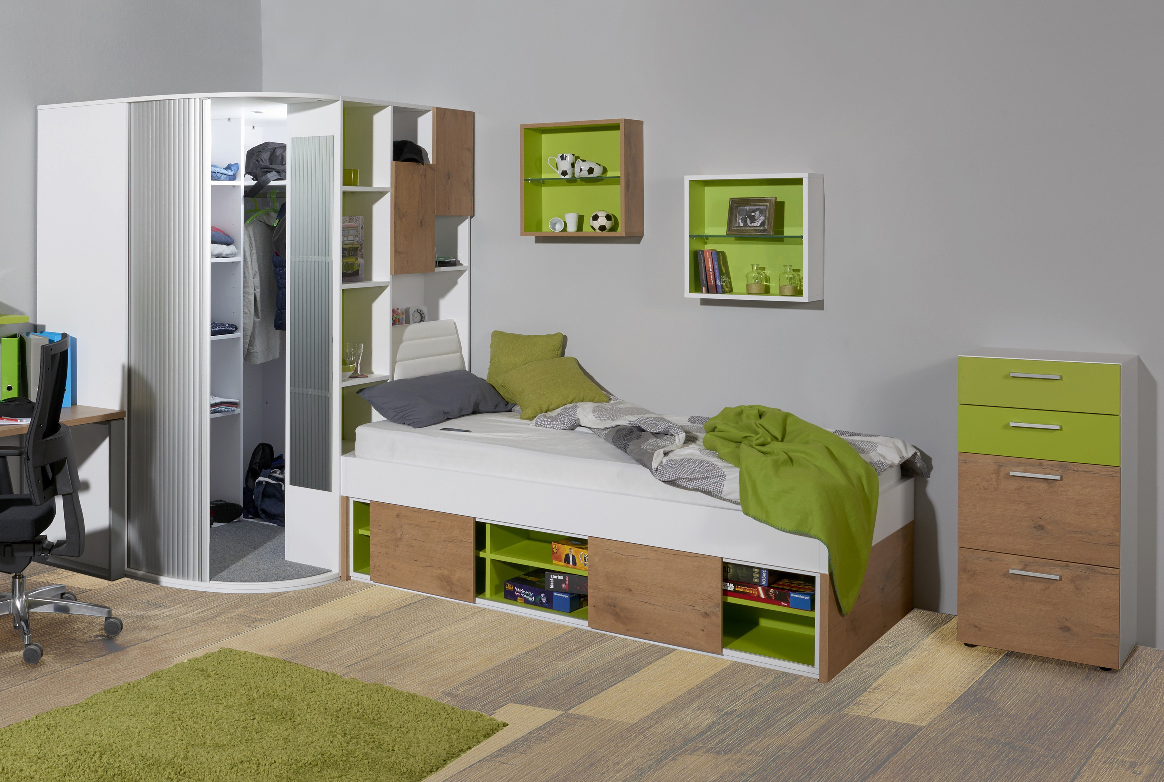 eckkleiderschrank begehbar. Black Bedroom Furniture Sets. Home Design Ideas