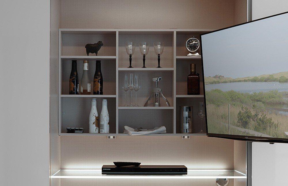 Staud Media Light Kleiderschrank weiß | Möbel Letz - Ihr Online-Shop