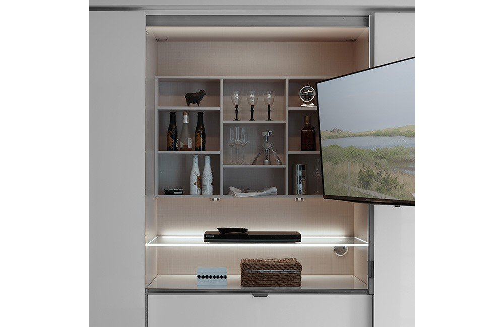 staud media kleiderschrank mit tv fach m bel letz ihr online shop. Black Bedroom Furniture Sets. Home Design Ideas