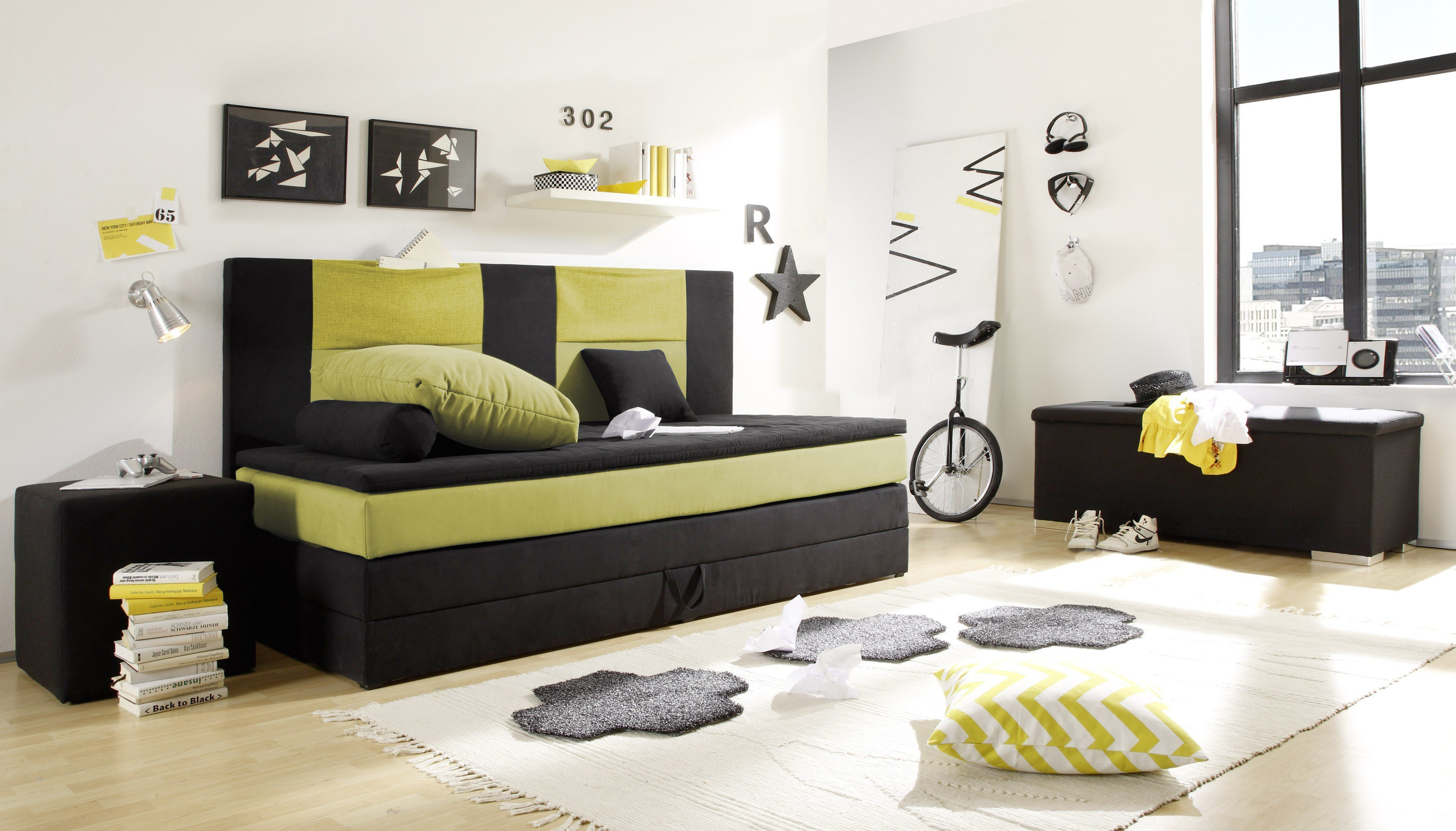 boxspringbett kid stripe von black red white mit. Black Bedroom Furniture Sets. Home Design Ideas