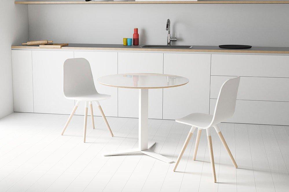 Maarja Von Skandinavische Möbel   Stuhl Mit Holzsitz Weiß