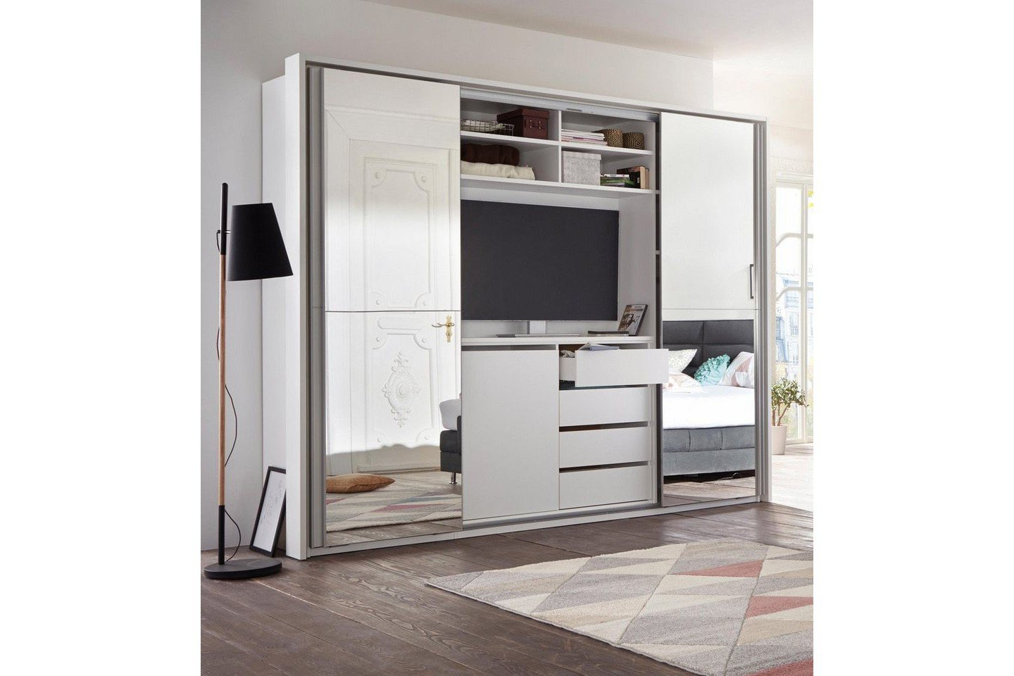cinema schrank mit tv fach wei mit spiegel m bel letz ihr online shop. Black Bedroom Furniture Sets. Home Design Ideas
