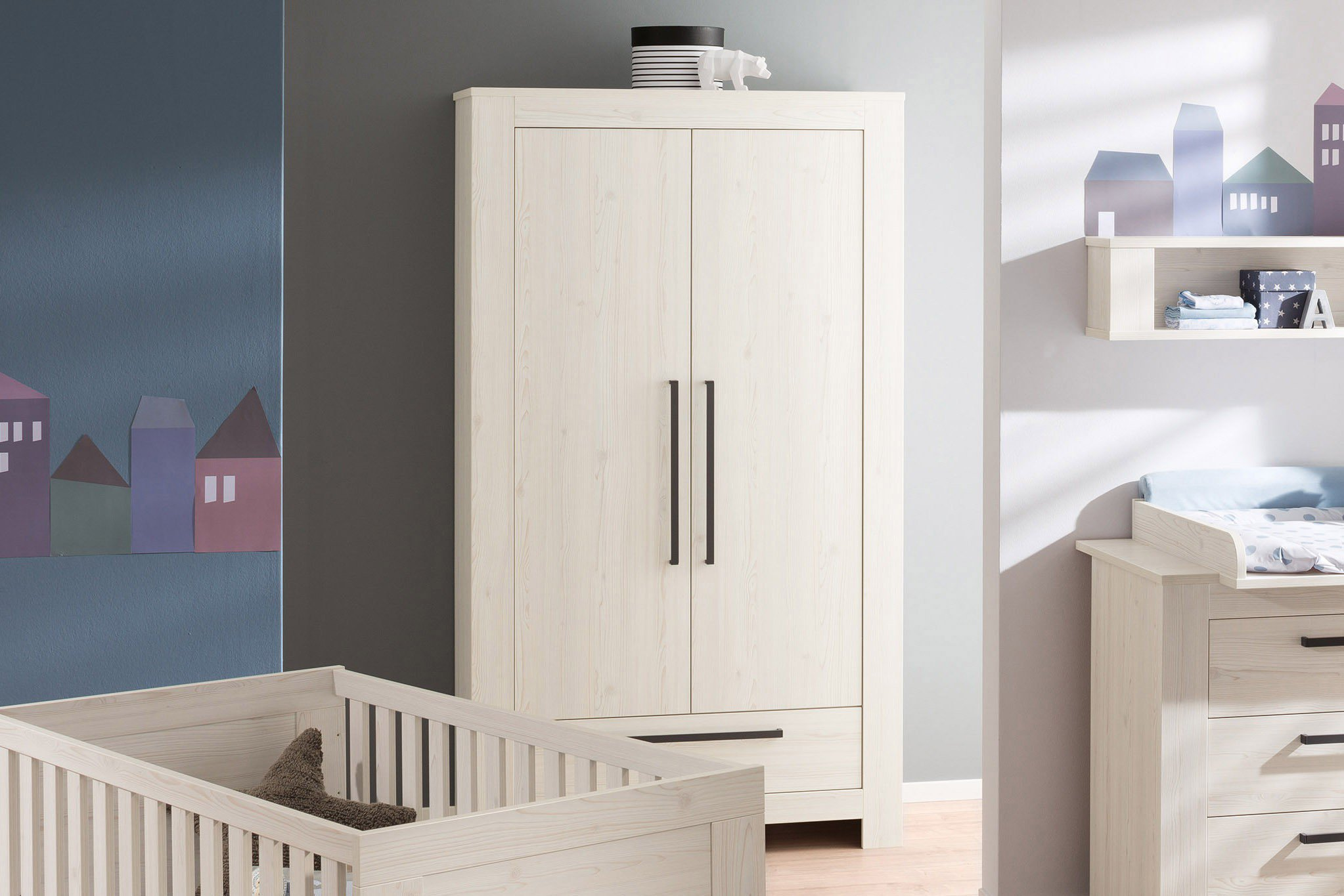 kleiderschr nke baby schlafzimmer kommode dekorieren. Black Bedroom Furniture Sets. Home Design Ideas