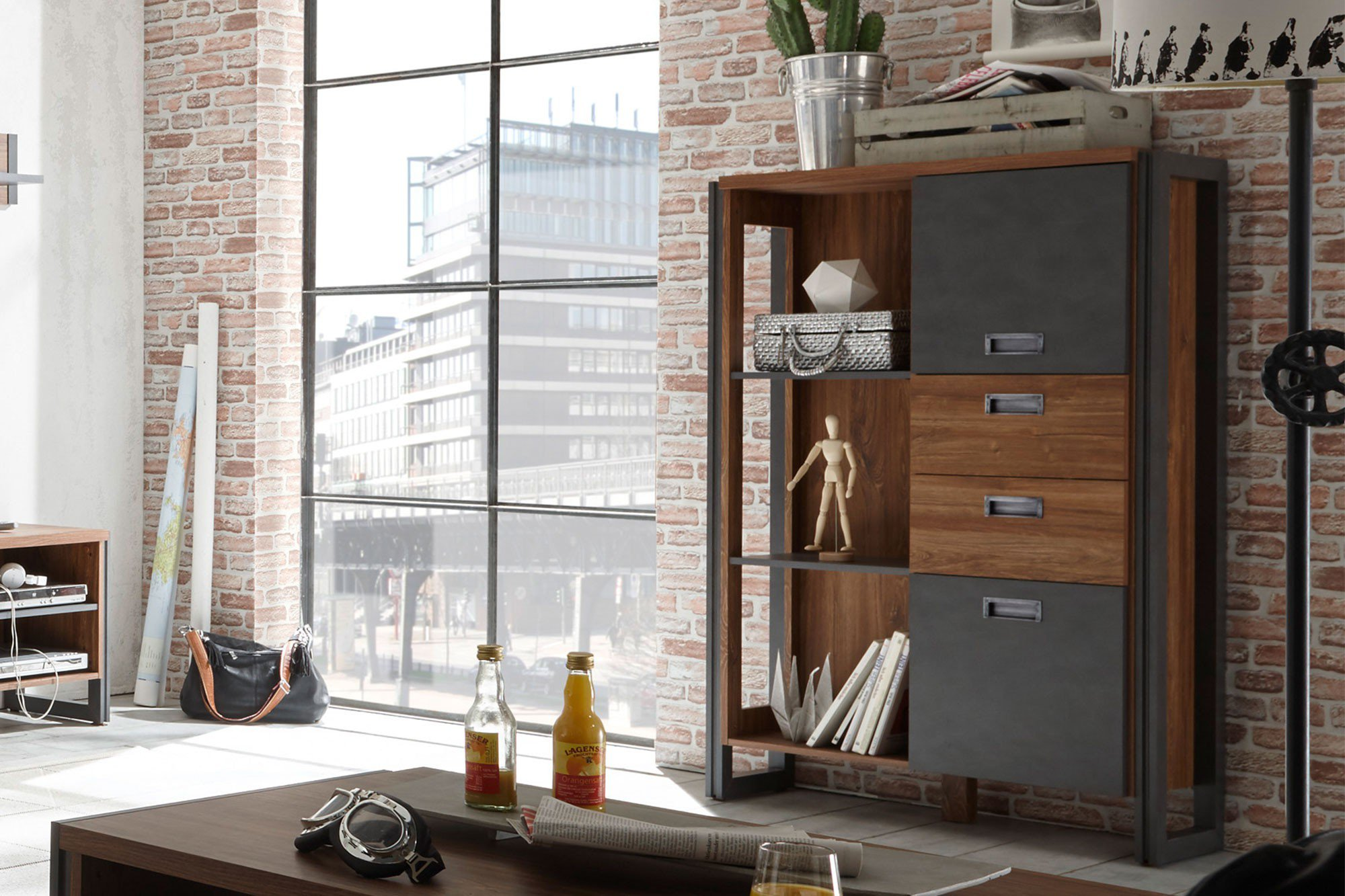 Detroit Von IMV Steinheim   Highboard 6OOMDE21 Stirling Oak