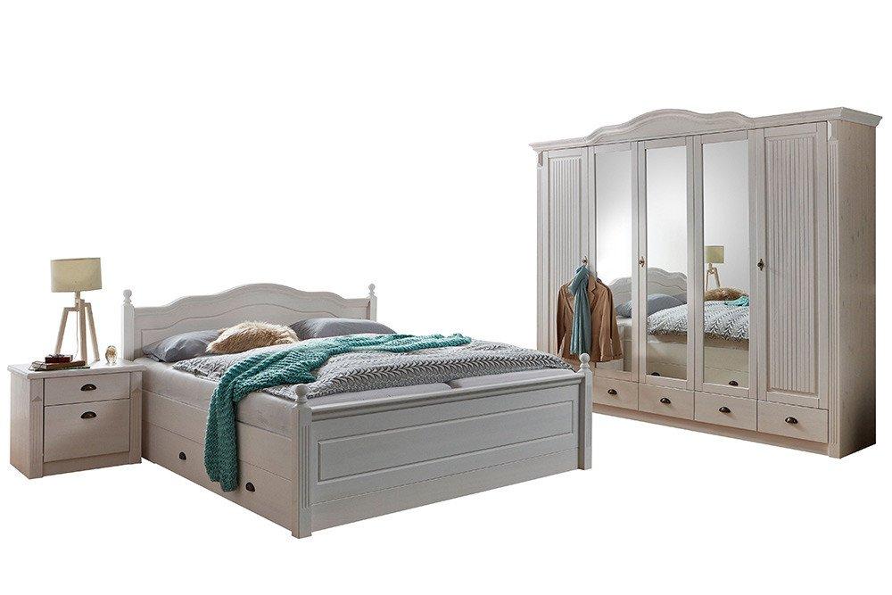 Inga von Jumek - Landhaus-Schlafzimmer Kiefer weiß
