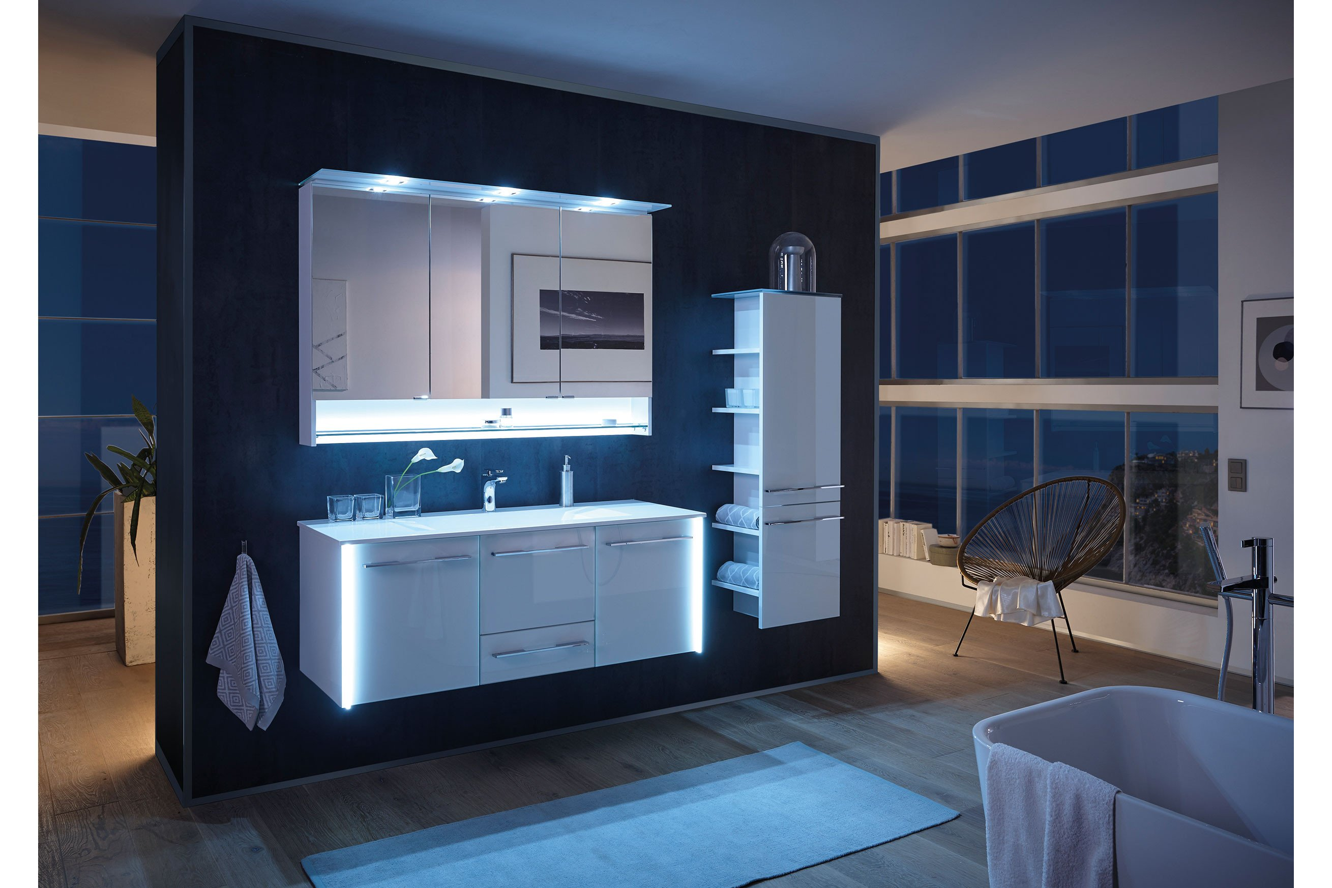 Bad 12 von LEONARDO living - Badezimmer Glas optiwhite Trends
