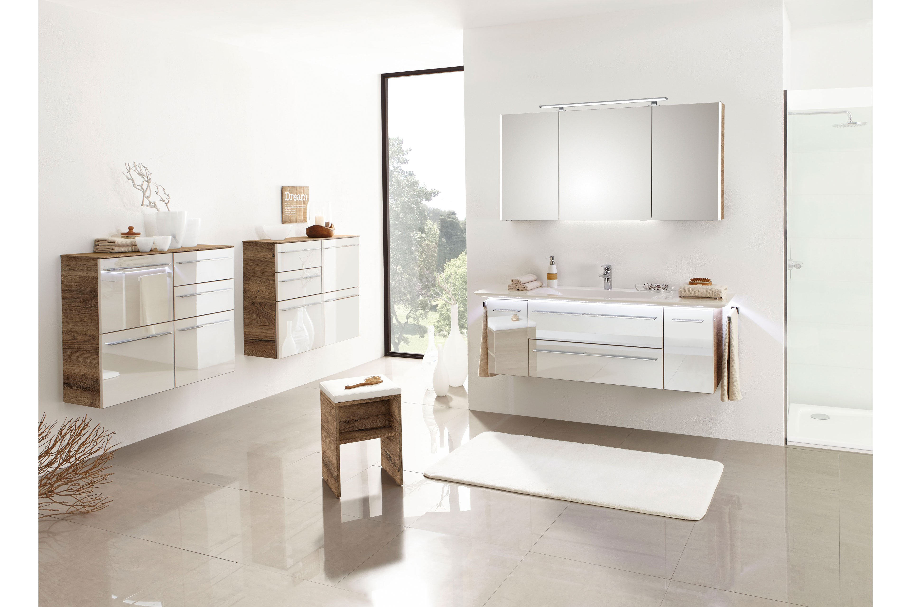 Bad 10 von LEONARDO living - Badezimmer Glas Perlmutt/ Eiche