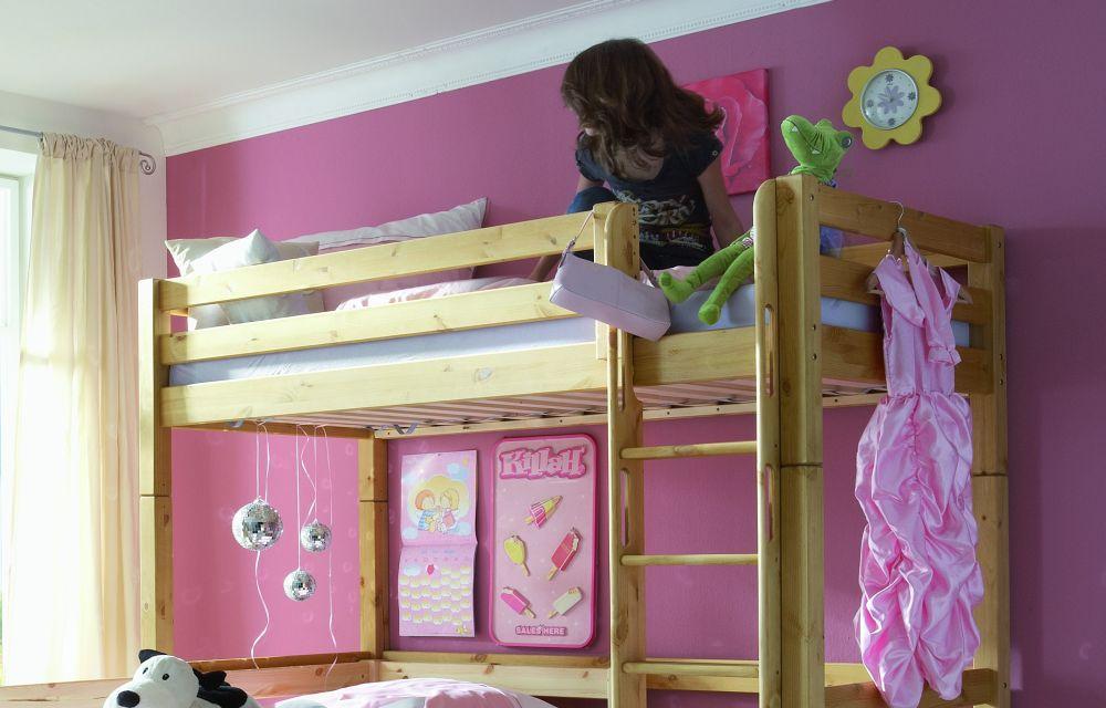 junge gipfelst rmer von infanskids hochbett kiefer natur jugendzimmer online kaufen 39. Black Bedroom Furniture Sets. Home Design Ideas
